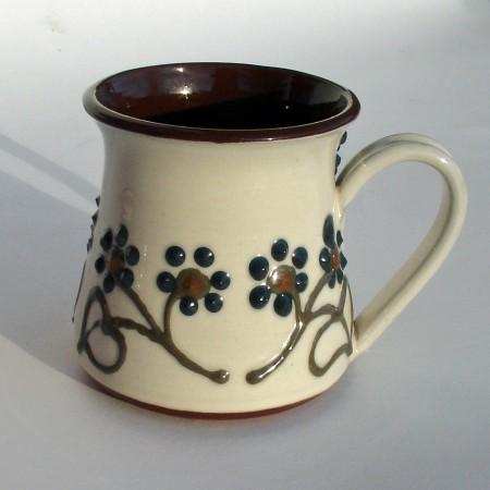 Dark flowered half-pint mug