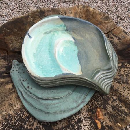 Oyster shell (birdbath)