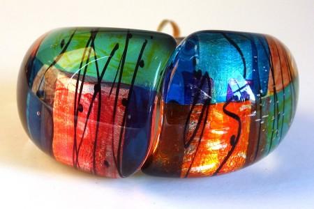 Rainbow rounded hinged bangle