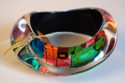 Rainbow large wavy bangle