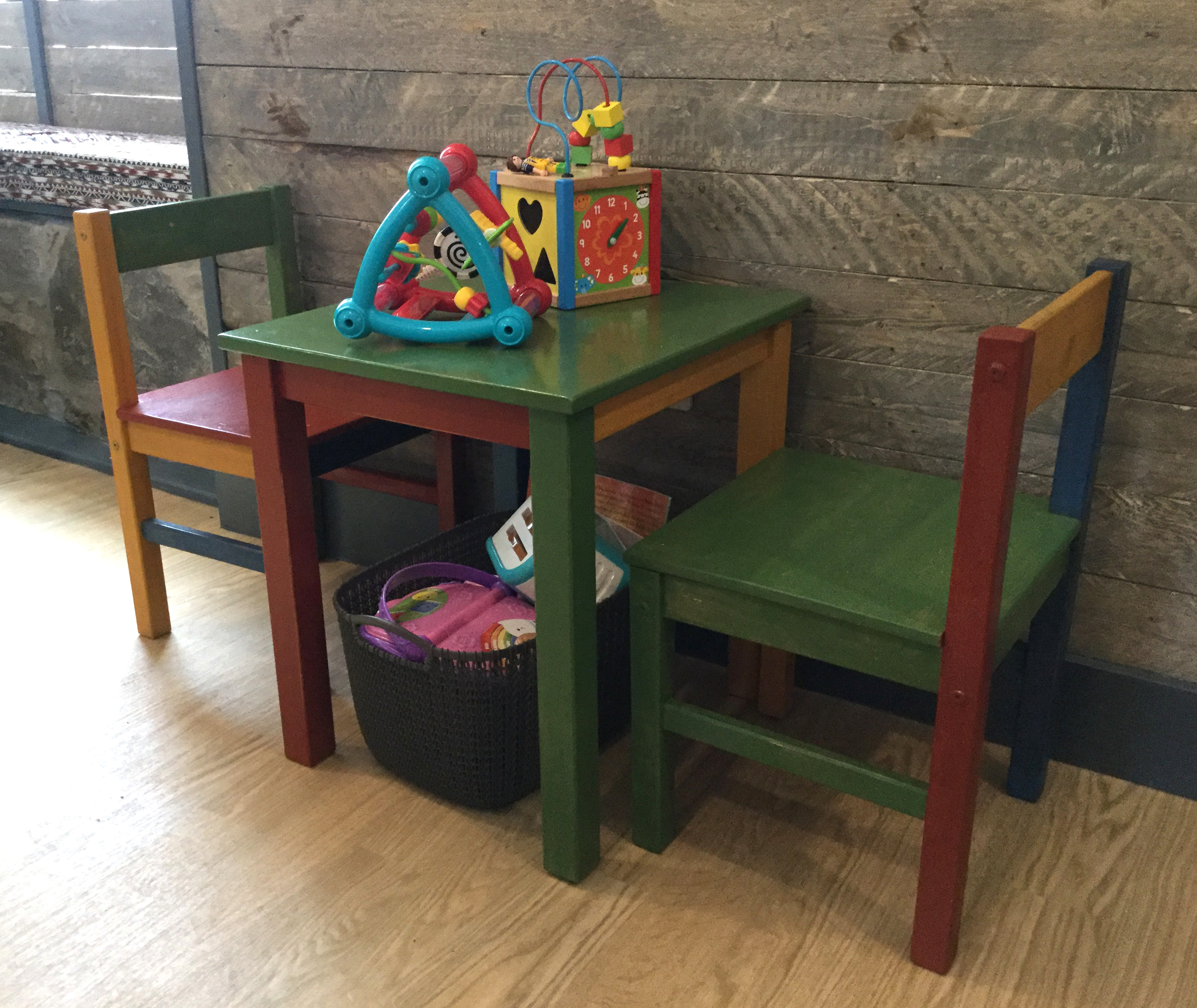 Childrens Table - the Murly Tuck